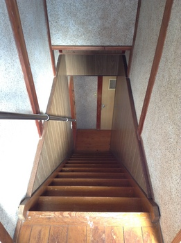 中央区葛城貸家二階から見る